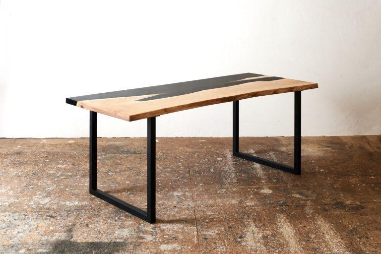 栃の一枚板レジンテーブル