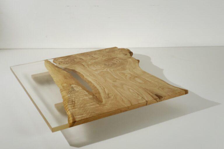 栗とクリアレジンのローテーブル